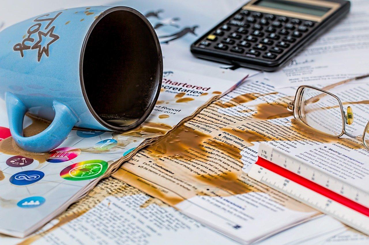 Arsivòli tazza caffè rovesciata